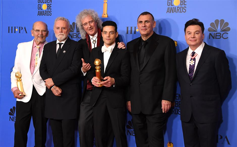 'Bohemian Rhapsody' rocks Golden Globes with surprise coda