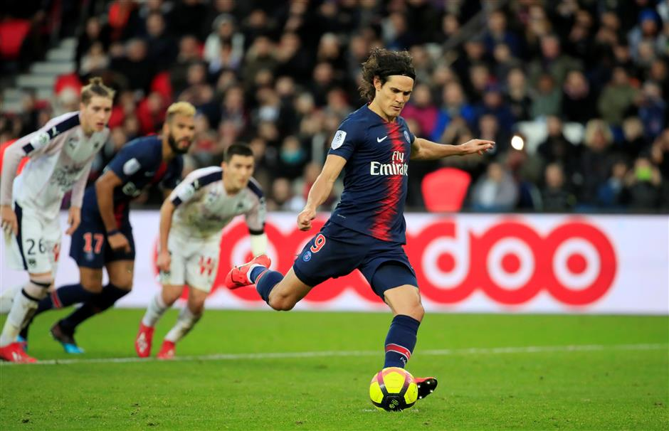 PSG confirms Cavani out of United UCL game