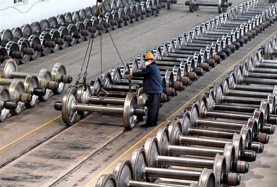 China's industrial output expands 5.3% in Jan-Feb