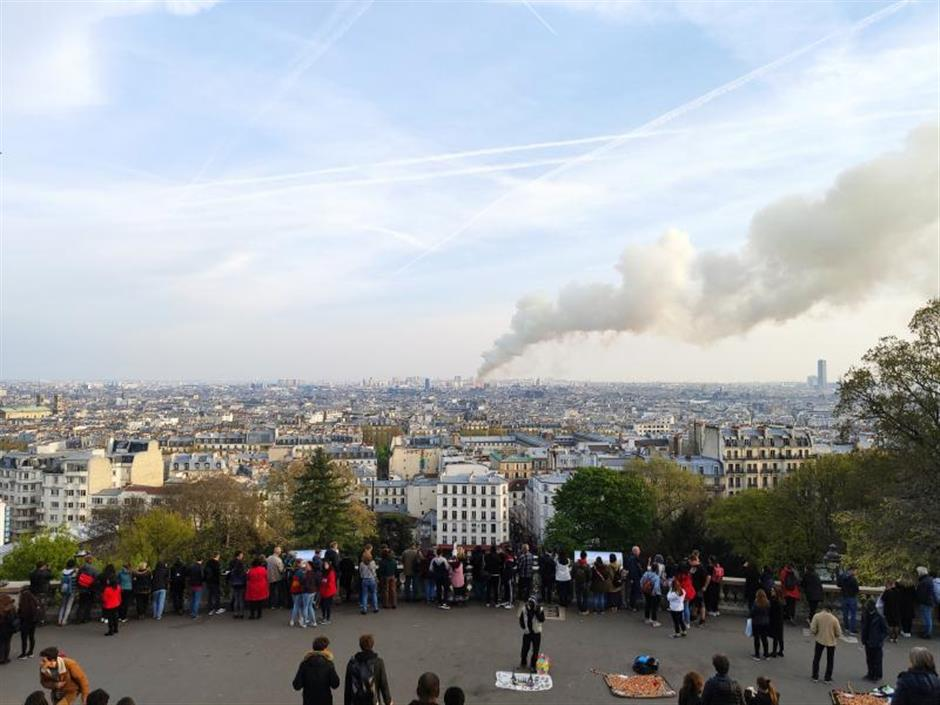 Travel agencies change plans after Notre-Dame fire