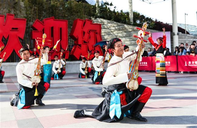 Charity program brings young Tibetan footballers to Shanghai
