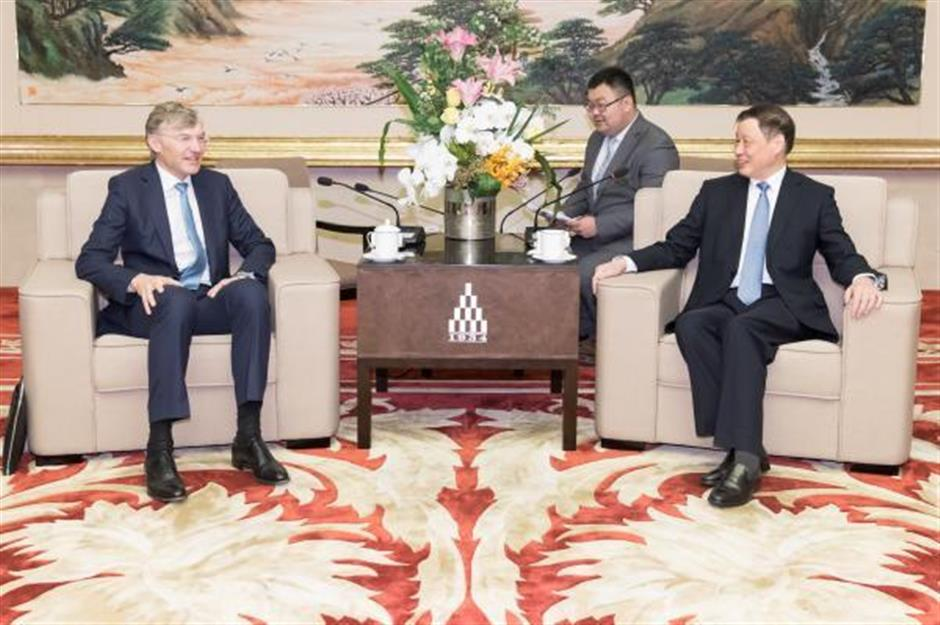 Mayor Ying meets German firm CEO