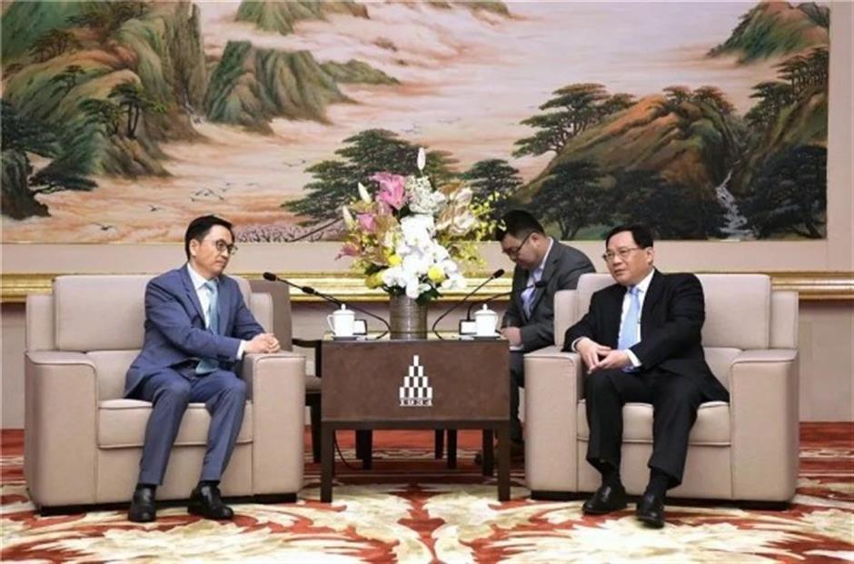 Party Secretary Li meets delegation of overseas investors
