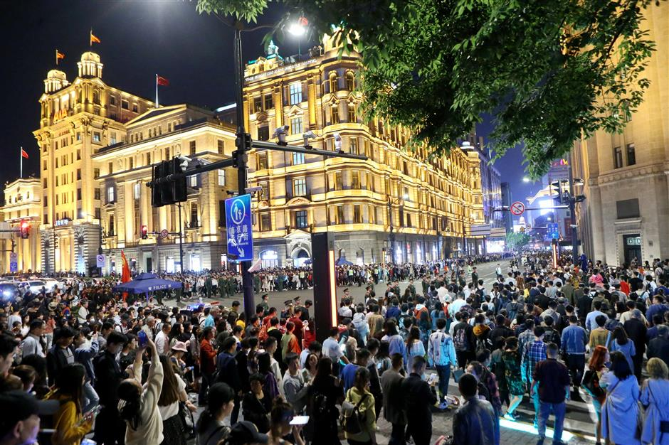 Consumption expands in Shanghai during May Day holiday