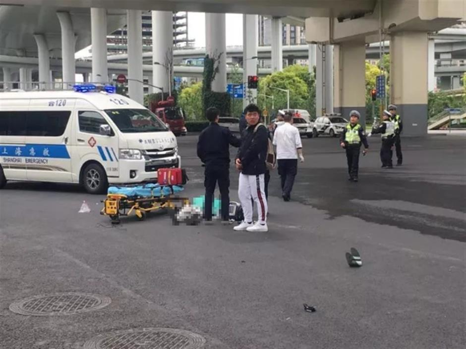 Man falls to his death from elevated road
