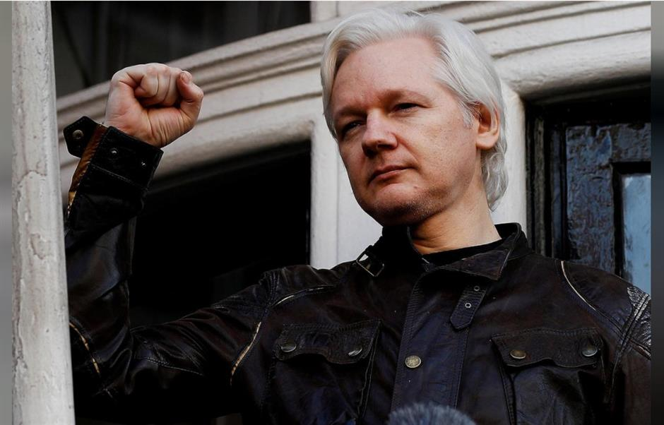 Sweden to seek extradition of Assange over rape charges