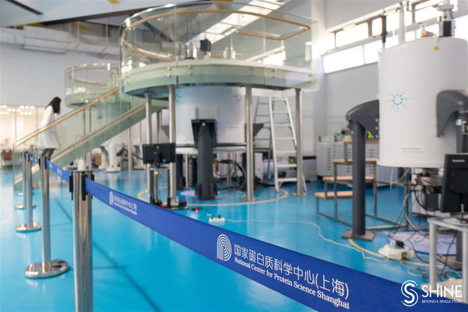 Leading facilities attract world's scientists
