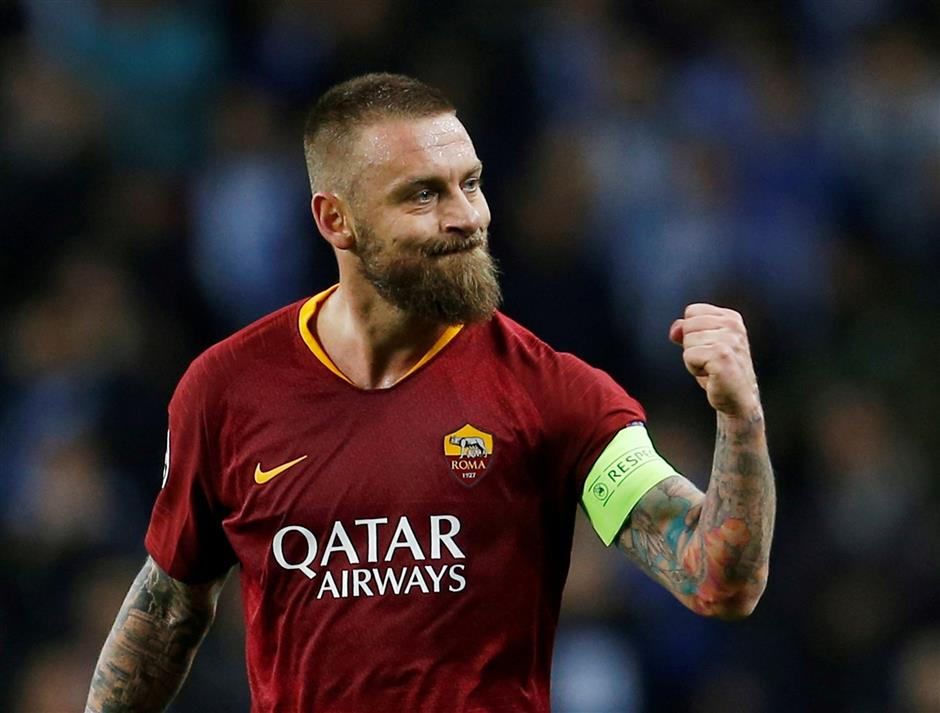 Roma's UCL push overshadowed by De Rossi departure