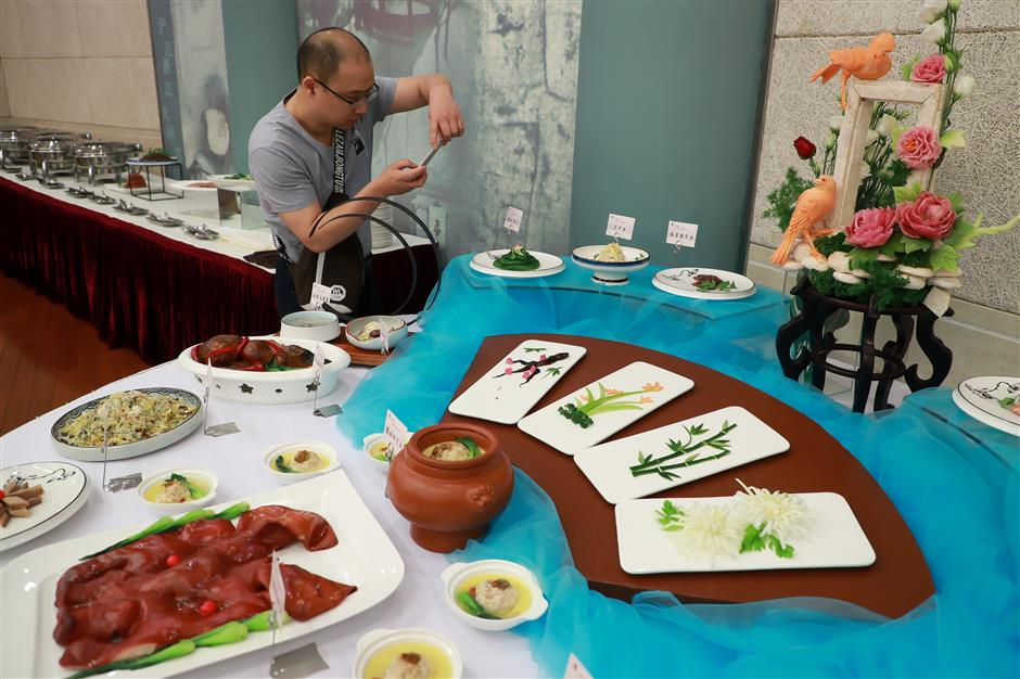 Huaiyang cuisine festival held at university to promote food culture