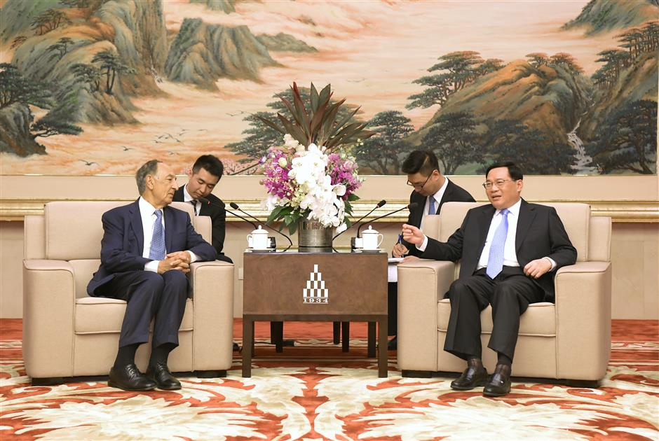 Party Secretary Li meets US university chairman