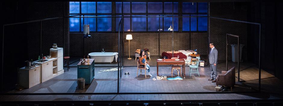 'Skylight' casts light on modern love