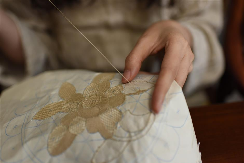 Threat to lace craft being a fabric of the past