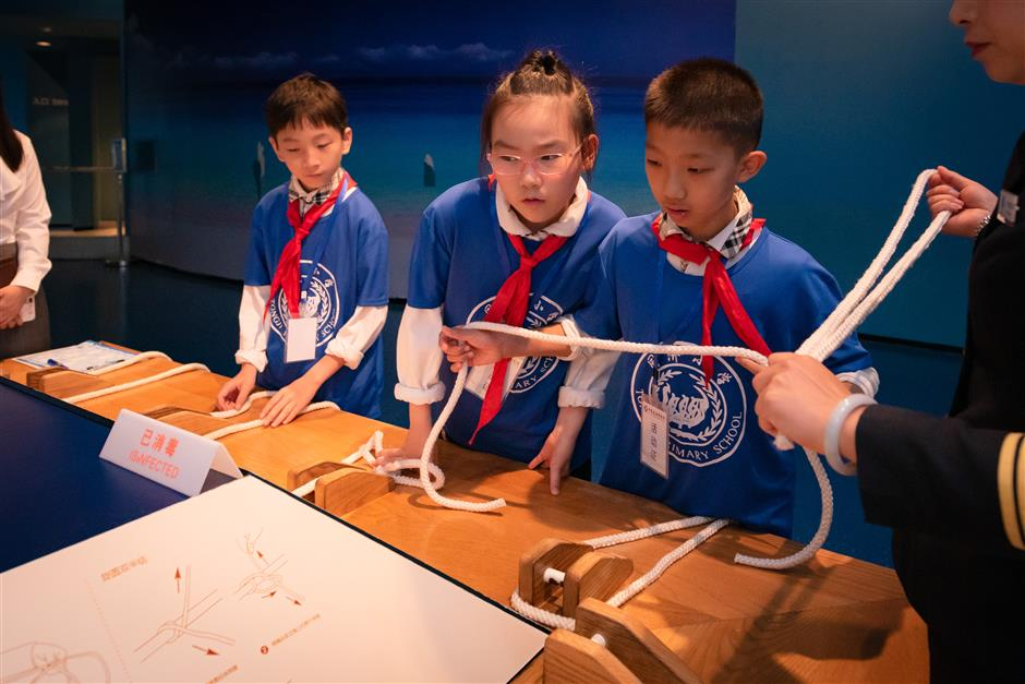 Students take part in maritime knowledge contest