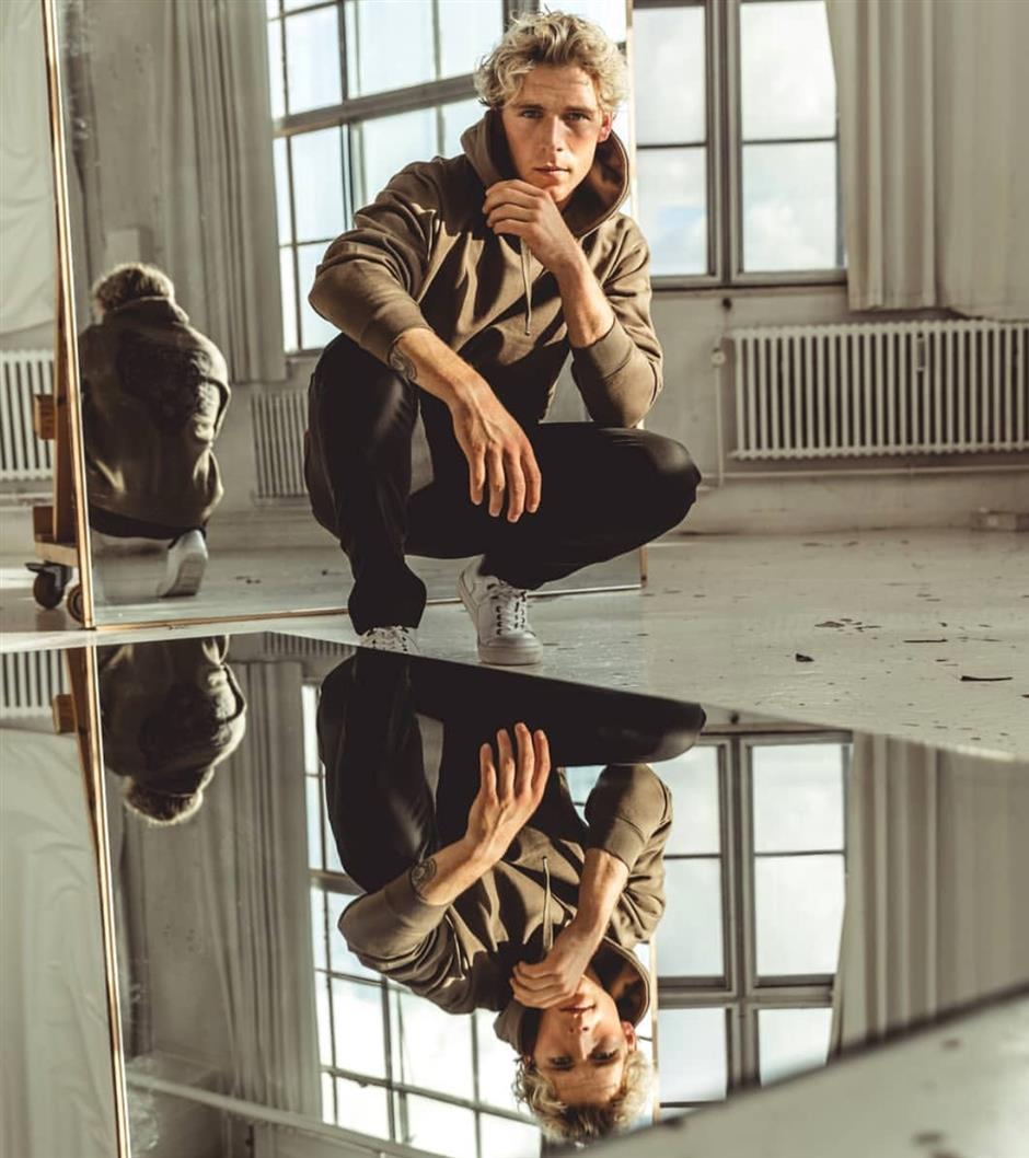 Danish pop icon Christopher comes back to Shanghai, lets fans dig 'Under the Surface'