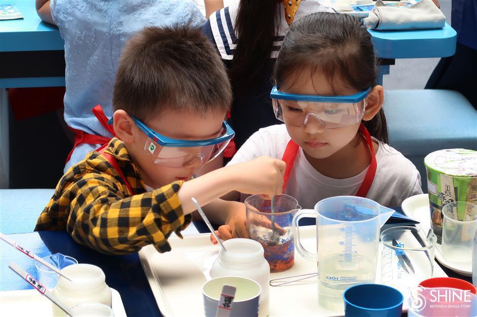 Kids get lessons in plastics