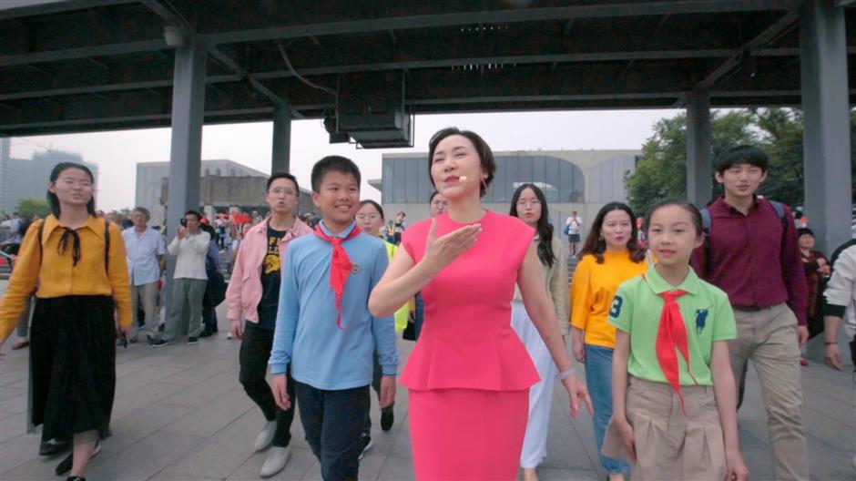 Flash mob sings in Xuhui