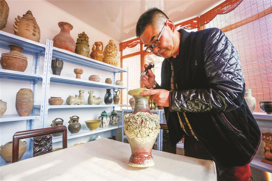 Li declares cabinet of ancient delights open