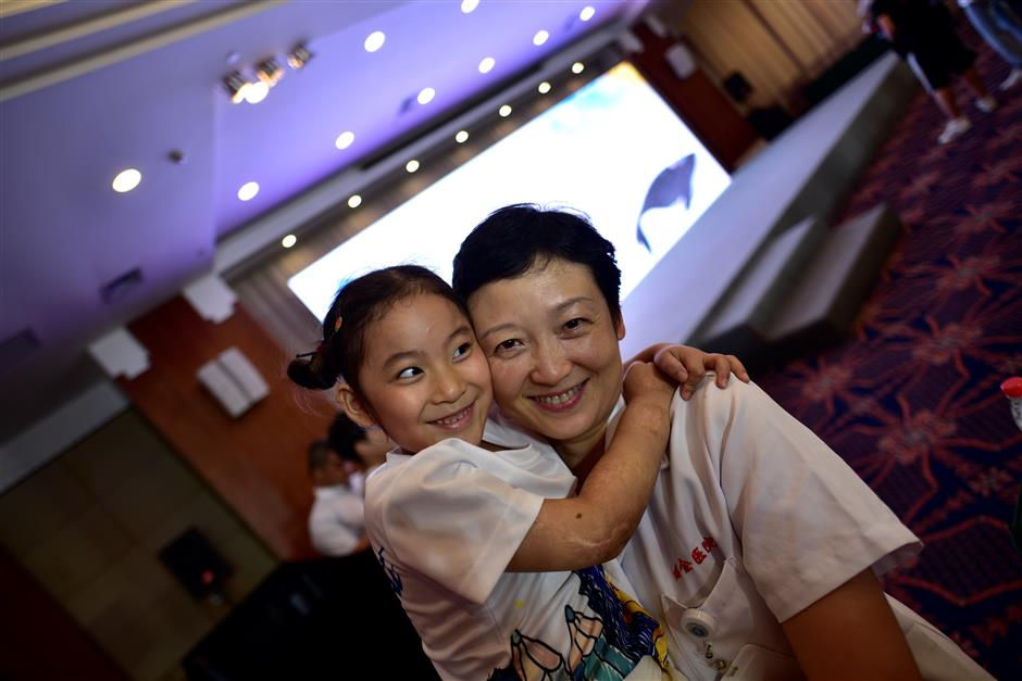 Ruijin Hospital holds summer camp for children with burns