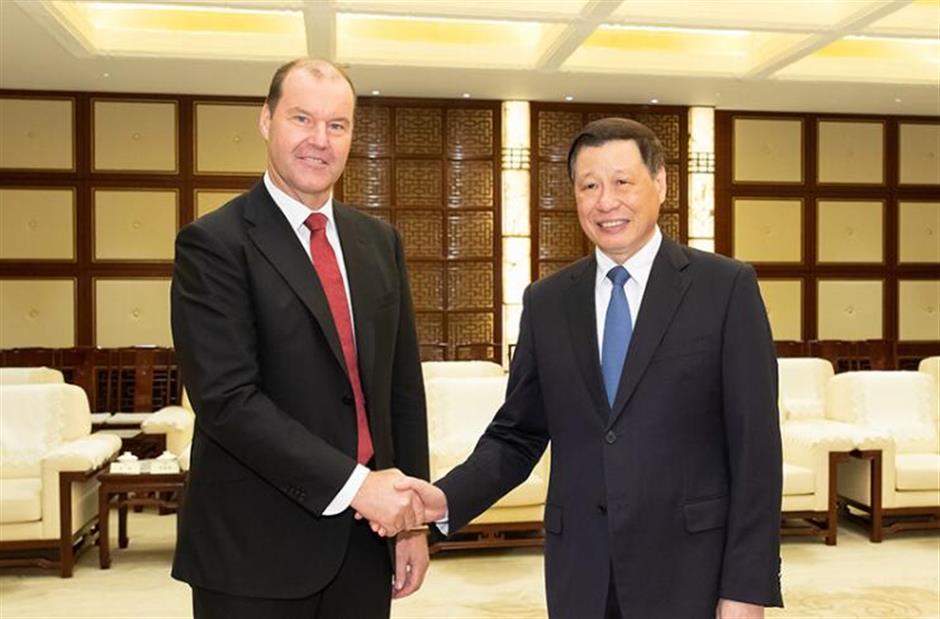 Mayor Ying meets Takeda Pharma CEO