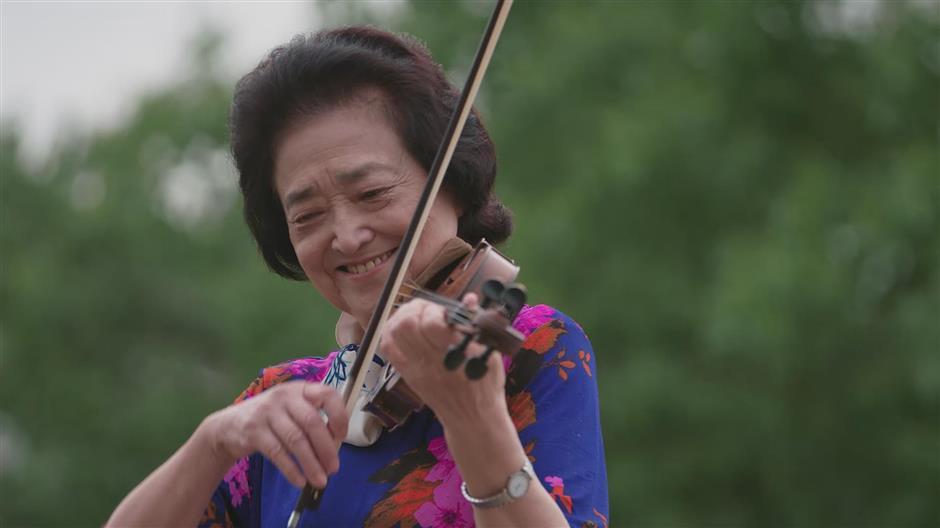 Qibao bursts into song