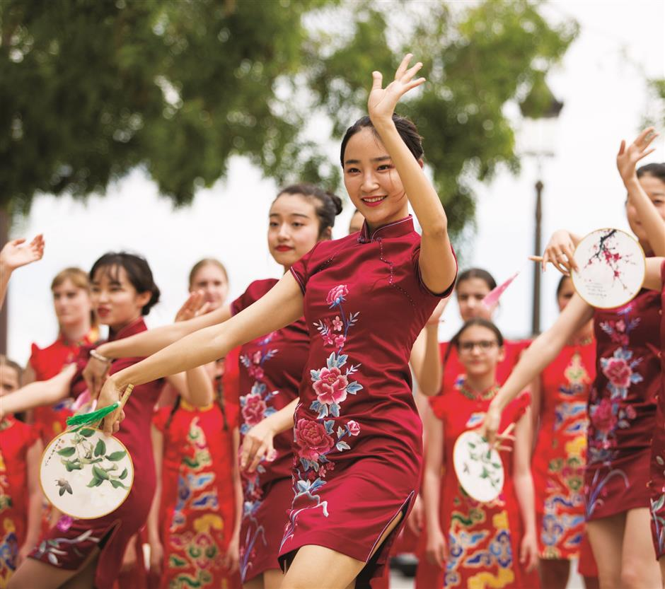 Festival celebrates enduring appeal of qipao
