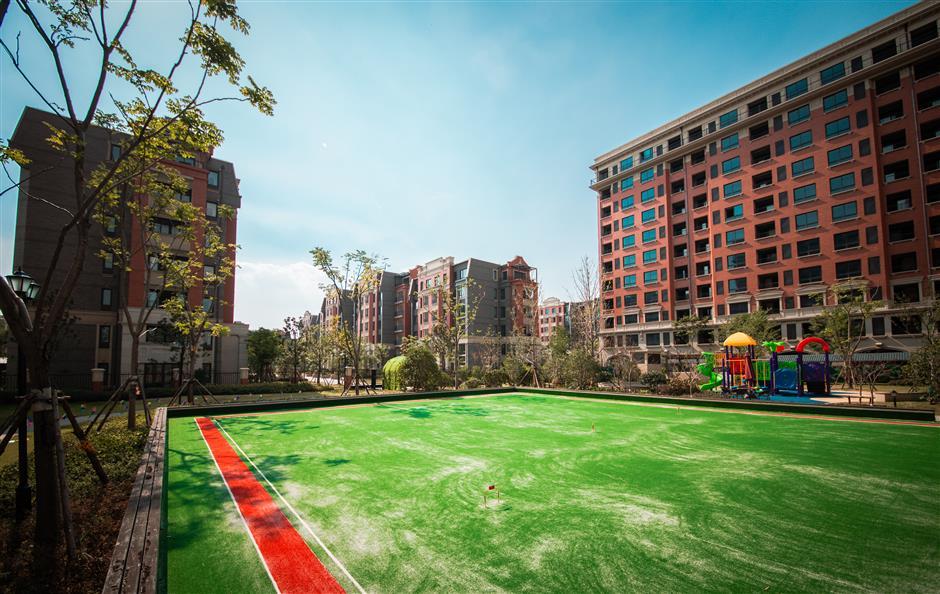Investors offer lap of luxury in posh retirement villages