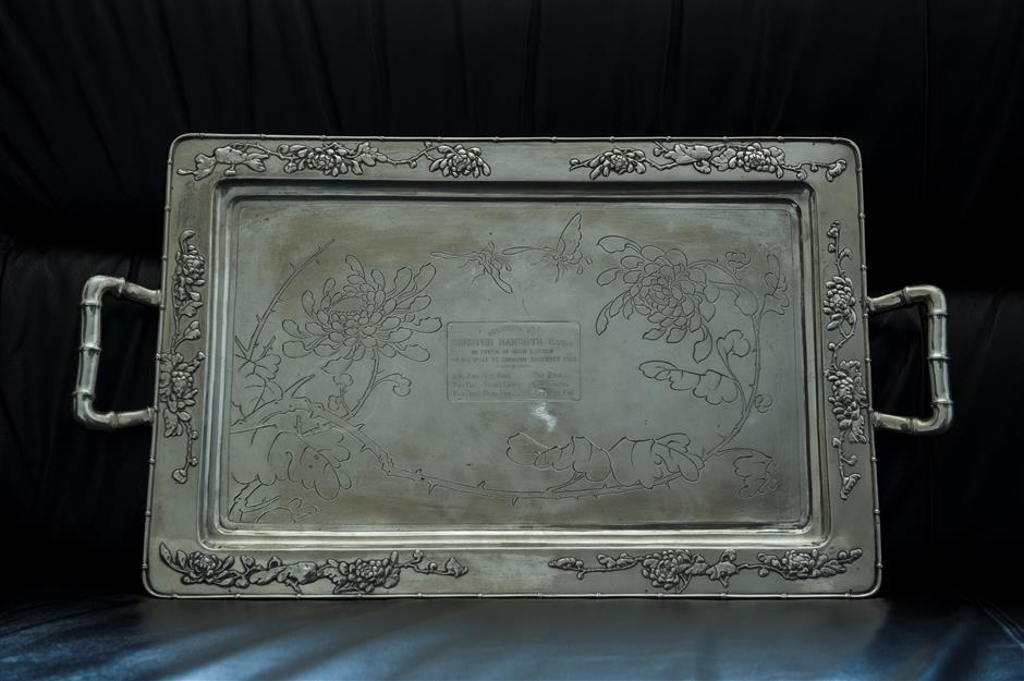 Antique silver tray tells of Chinese and British friendship