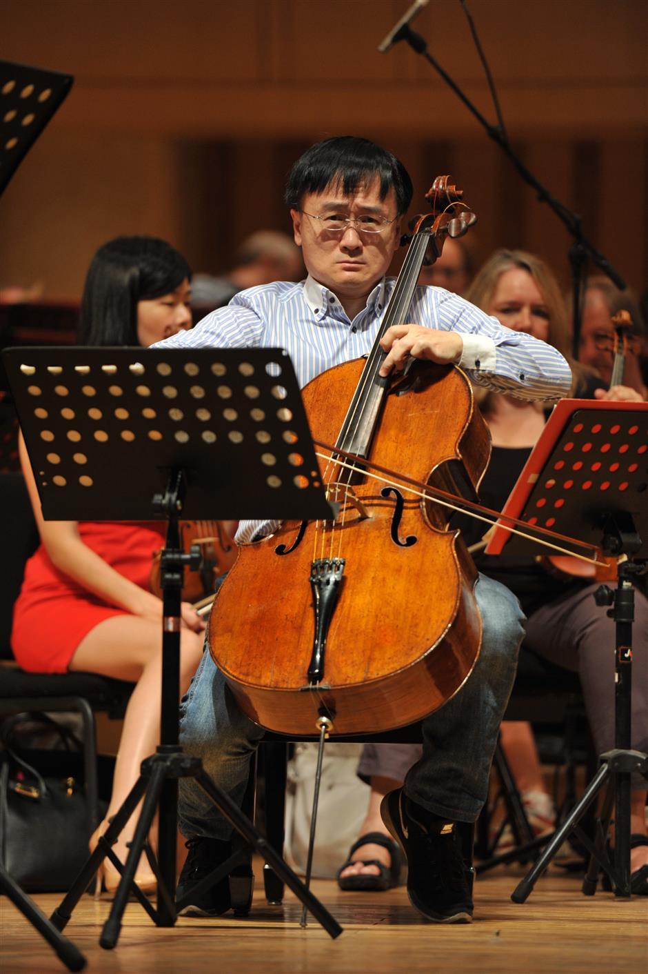 Musician blasts flight rule that bans oversized cello onboard