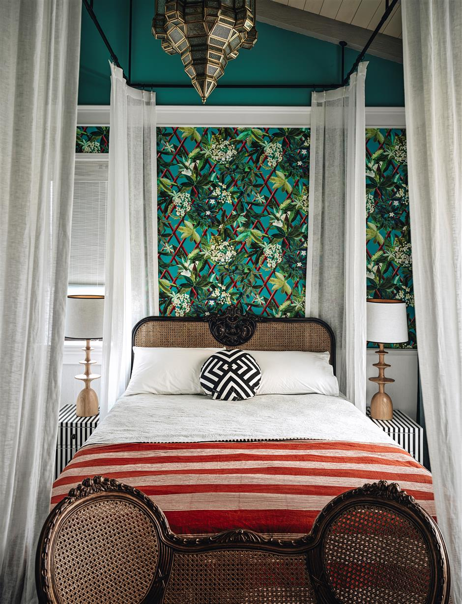 East meets West in classic, modern villa
