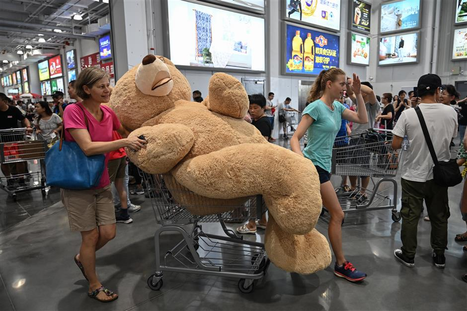 Can Costco buck jinx of foreign retailers? Yes – on the first day!