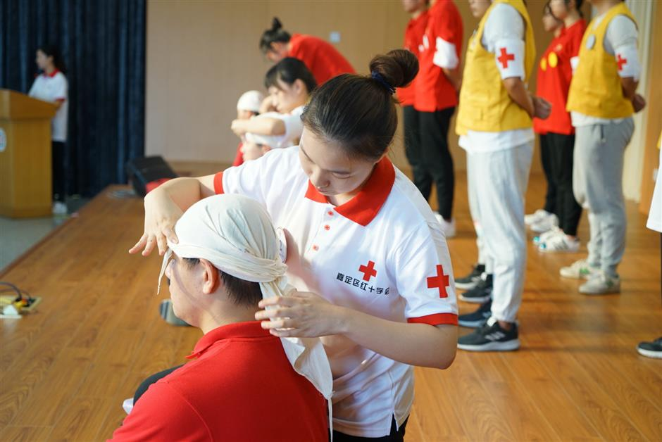 Red Cross organizes first-aid skills contest