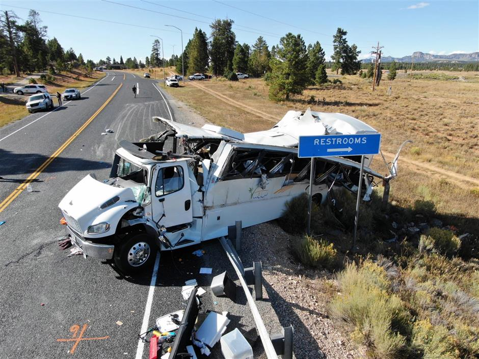 4 killed in Utah bus accident