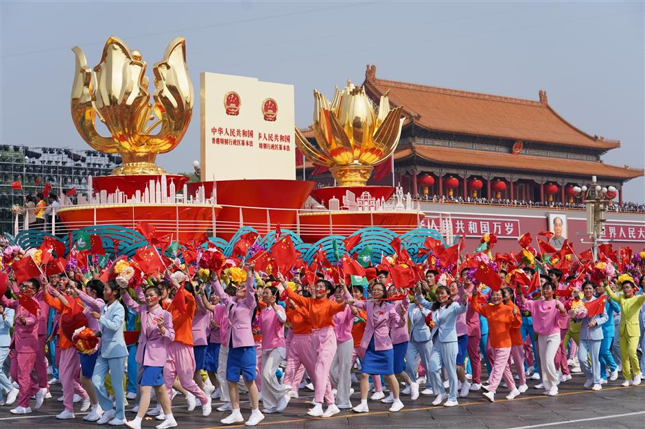 Mass pageantry showcases Chinese nation's great rejuvenation