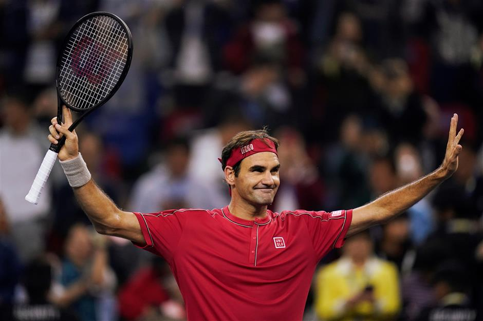 Federer, Medvedev reach 3rd round; Murray out
