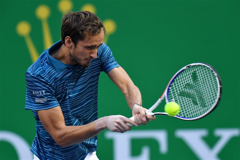 Medvedev reaches sixth final in a row to set up Zverev clash