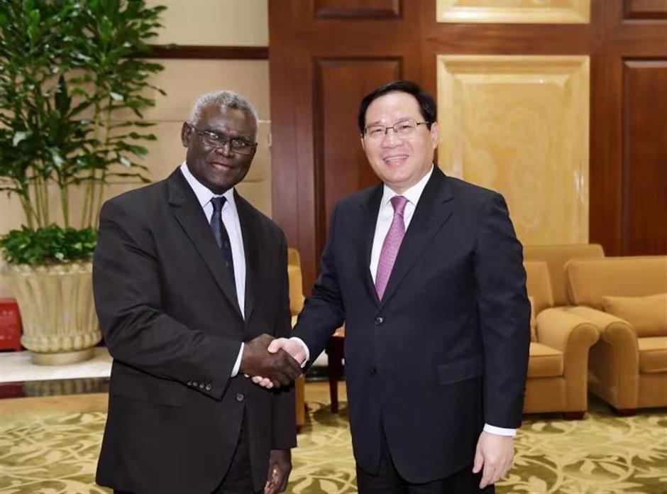 Party Secretary Li meets Solomon Islands PM
