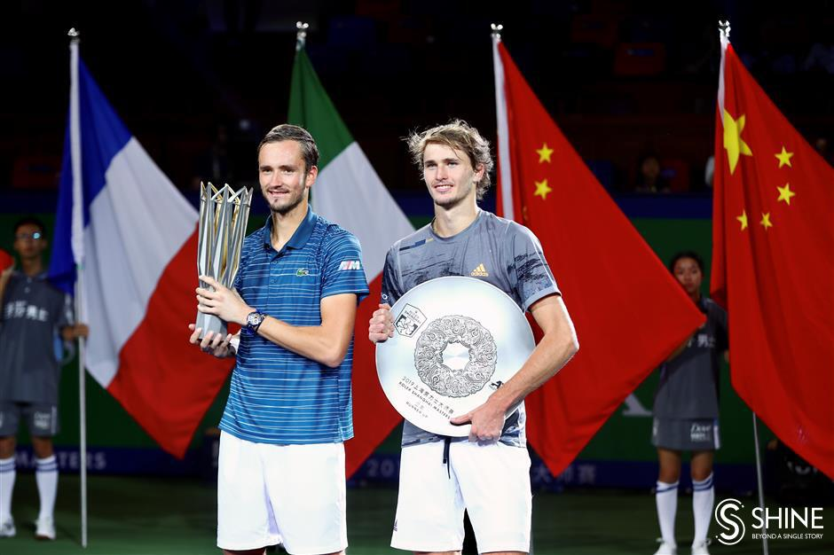 Medvedev captures 4th title of the year in Shanghai