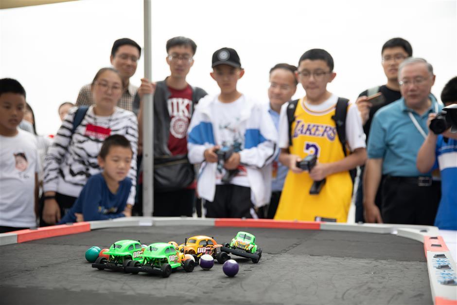 Miniature models attract big crowd