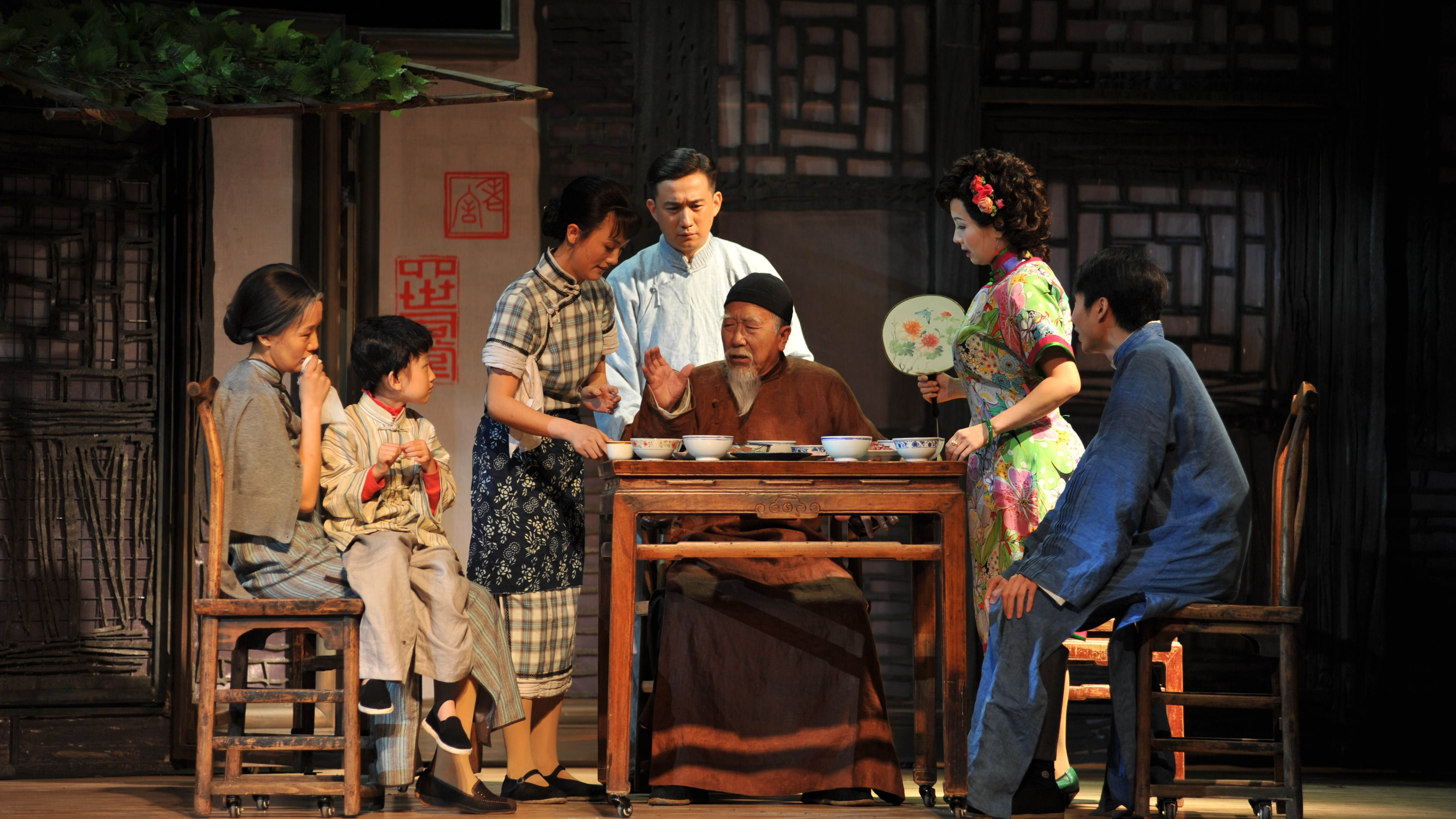 Stage Drama Features National Culture Shine News