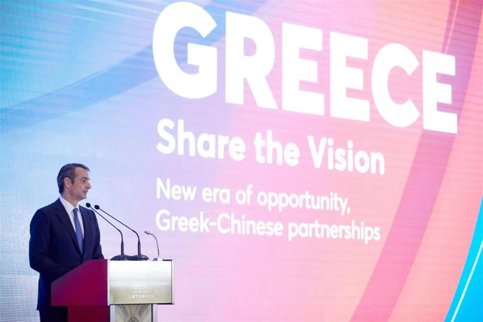 Praise for China's investment in Greece