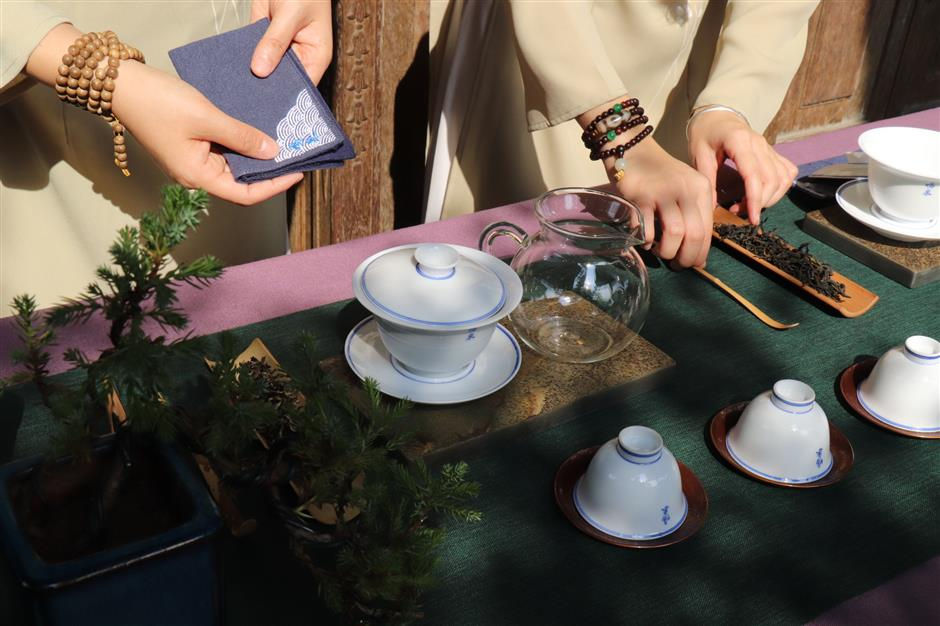 Tea time at Guilin Park