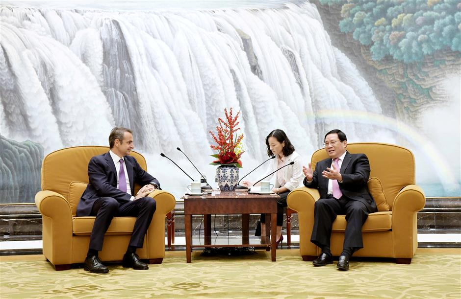 Party Secretary Li meets Greek PM