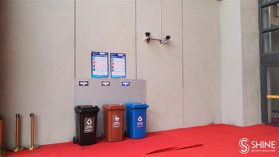 International CIIE exhibitors happy to sort their trash