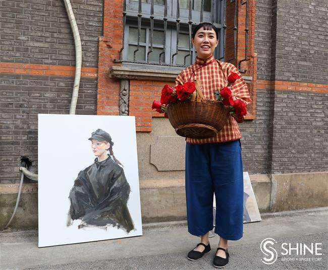 The scene is set: painting in Old Shanghai
