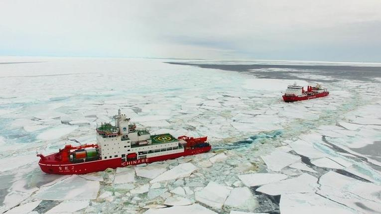 Xuelong and Xuelong 2 sail at new broken-through path in Antarctica