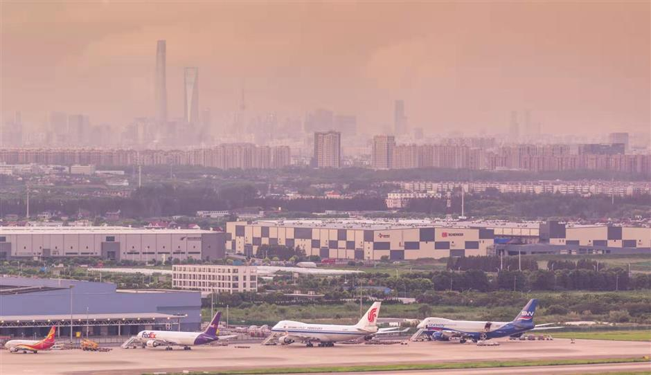 Cargo turnover rebounds at Pudong airport