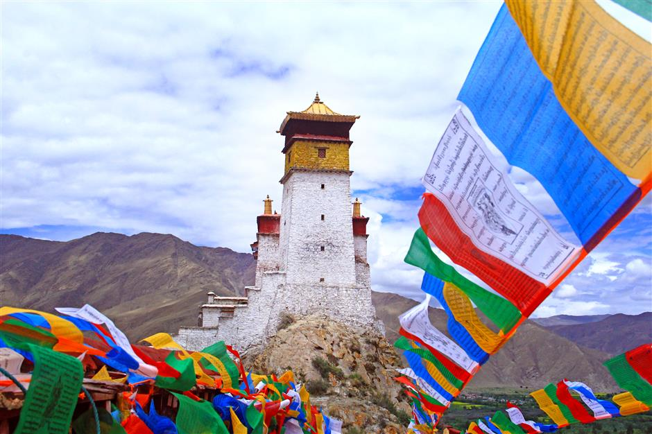 Tibetan prefecture deepens tourism ties with Shanghai
