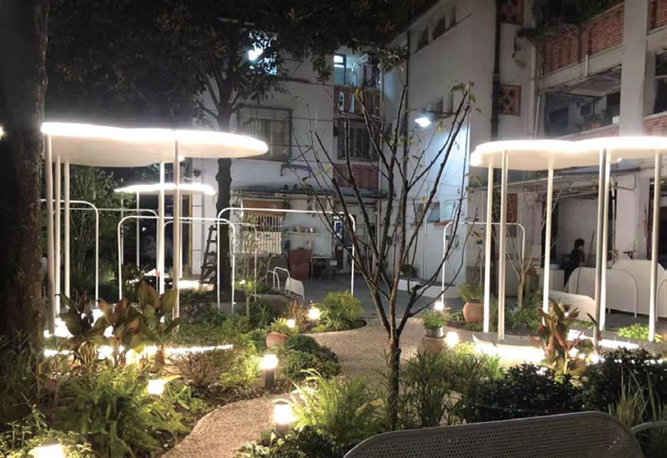 From garbage eyesore to glamorous garden