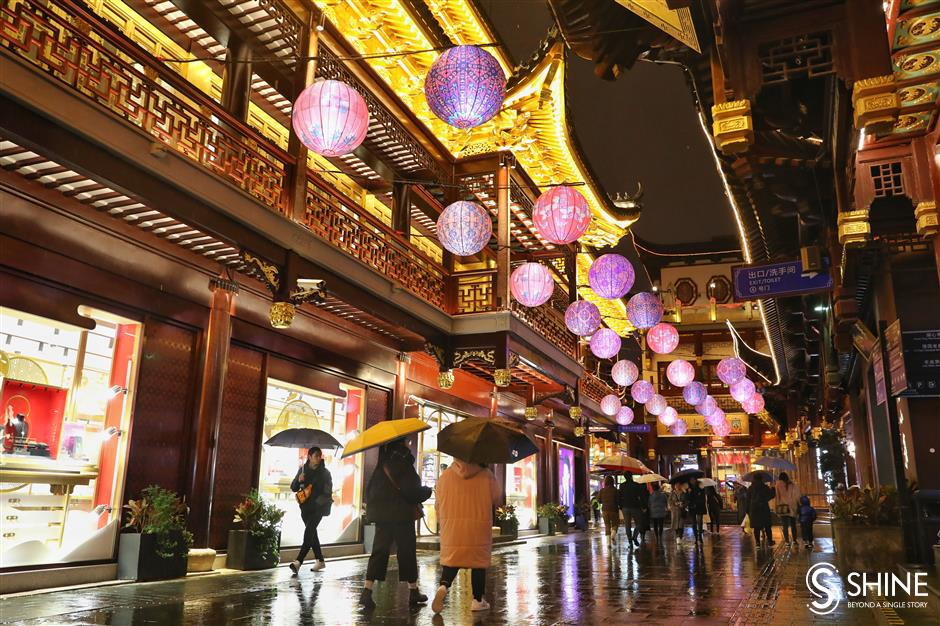 Lantern festival lights up Yuyuan Garden