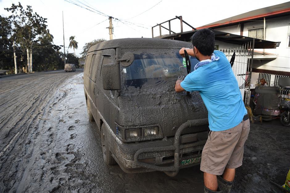 Philippines volcano eruption may herald something worse